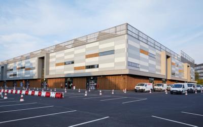 Réhabilitation d'un ancien site Peugeot pour Amazon – VELIZY (78)